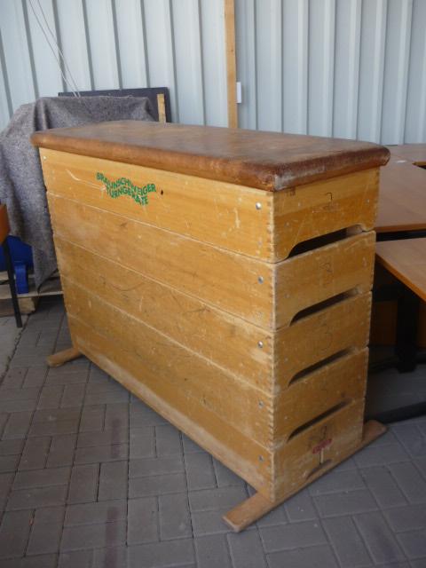 alter turnkasten sprungkasten sprungpferd vintage braunschweiger turnger te ebay. Black Bedroom Furniture Sets. Home Design Ideas