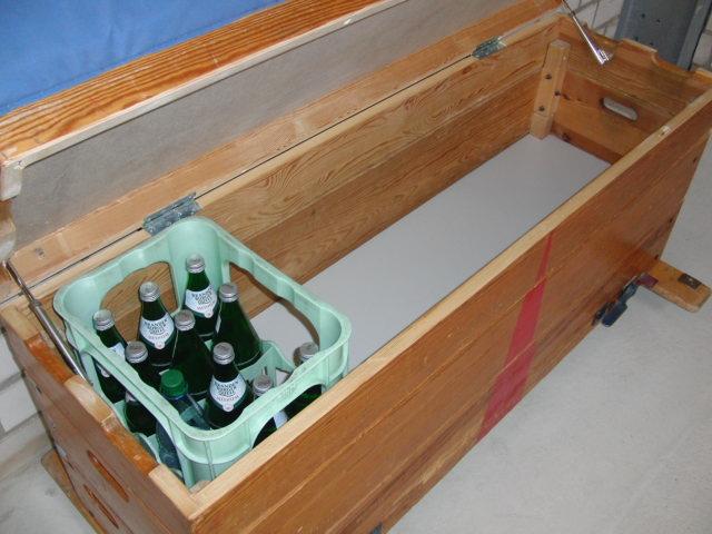 kommode aus alten turnkasten umgebaute turnger te 3 schubladen. Black Bedroom Furniture Sets. Home Design Ideas